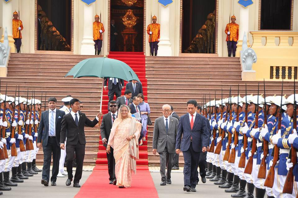 លោកជំទាវ សេក្ខ ហាស៊ីណា (Sheikh Hasina) នាយករដ្ឋមន្រ្តីបង់ក្លាដេសចូលគាល់ព្រះមហាក្សត្រកម្ពុជា