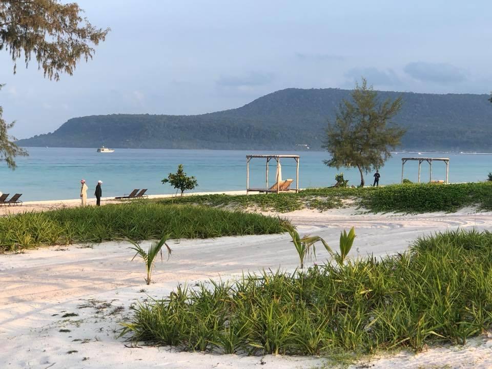 ព្រឹកនេះ លោកនាយករដ្ឋមន្ត្រី ហ៊ុន សែន  អញ្ជើញសម្ពោធសណ្ឋាគារ លំដាប់ ផ្កាយ ៥ « The Royal Sands Koh Rong » នៅខេត្តព្រះសីហនុ