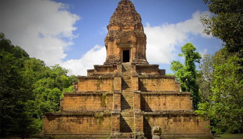 ប្រាសាទបក្សីចាំក្រុង (Baksei Chamkrong temple)